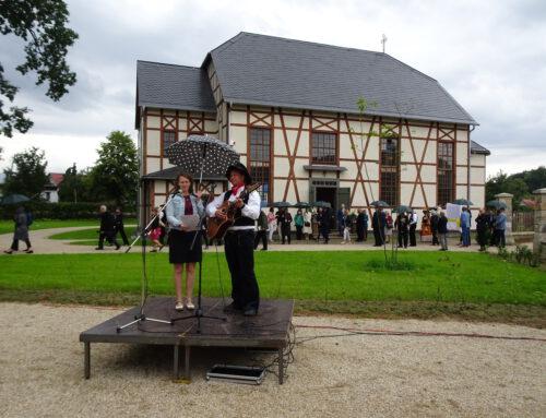 Feierliche Eröffnung des wiederaufgebauten Bethauses in Lomnitz